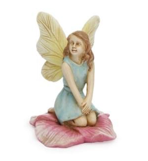 Kneeling Fairy