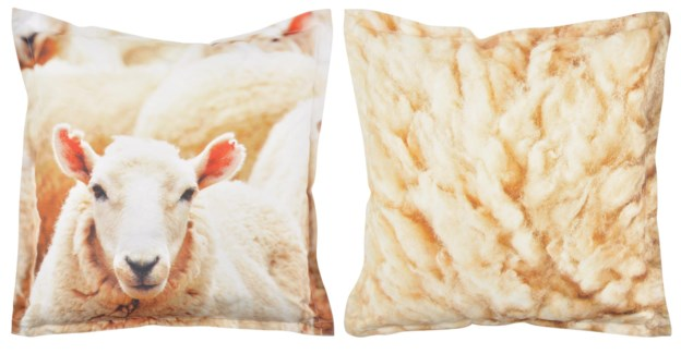 Outdoor cushion sheep L. 600D PVC woven material, non woven, PP filling. 59,0x59,0x13,0cm. oq/6,mc