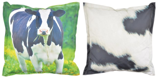 Outdoor cushion cow L. 600D PVC woven material, non woven, PP filling. 59,0x59,0x13,0cm. oq/6,mc/6