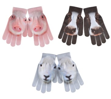 Children gloves farm animals ass. 99% Polyester, 1% elastane. 12,6x1,0x19,4cm. oq/12,mc/204 Pg.99