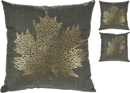 ASH300800. Maple/Leaf Cushion 2Asstd Textile 17.7x17.7inch. (units/inner:12. units/outer12)
