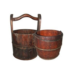 Vintage water bucket without wooden handle