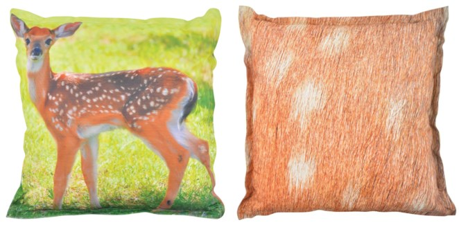 Outdoor cushion deer L. 600D PVC woven material, non woven, PP filling. 59,0x59,0x13,0cm. oq/6,mc/