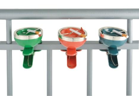 Ashtray clip ass. Metal. 9,6x11,6x13,7cm. oq/12,mc/12FD