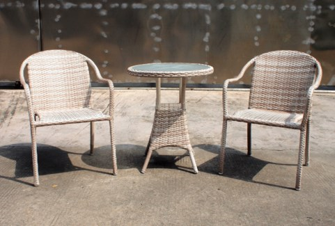 Hugo Bistro Set/3 White - 2 chairs (22x24x33 in) 1 table w/glass (24Dx28 in), Full Aluminum Frame