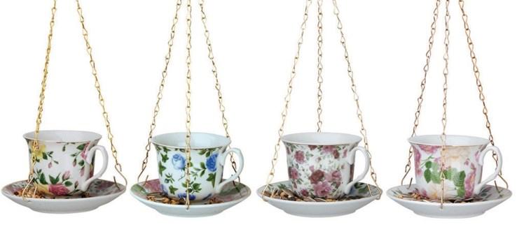 Tea cup with saucer ass. Porcelain, metal. 14,2x14,2x8,2cm. oq/12,mc/12 Pg.15, 136