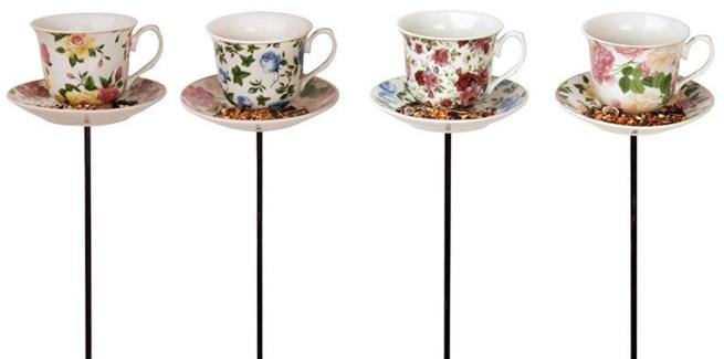 Tea cup with saucer on stick ass. Porcelain, metal. 14,2x14,2x82,5cm. oq/12,mc/12 Pg.15