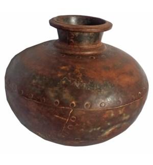 """Vintage Iron Pots, Assorted S"""