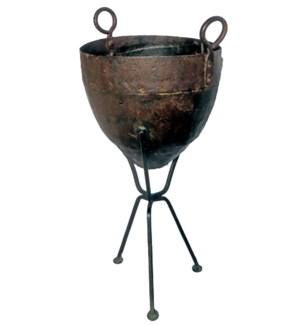 """Vintage Iron Standing Pot, LC"""