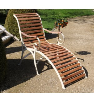 Lounger wood/metal/cream. Steel, beech wood. 64,2x114,8x105,0cm. oq/1,mc/1 Pg.109    *Cushions not