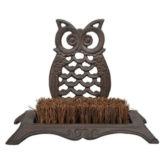 Owl Bootbrush. Cast iron, coconut fibre, wood. 25,1x15,6x19,5cm. oq/8,mc/8 Pg.139