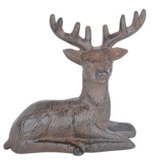 Resting deer cast iron. Cast i