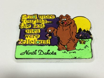 ND Magnet Bear Tourist