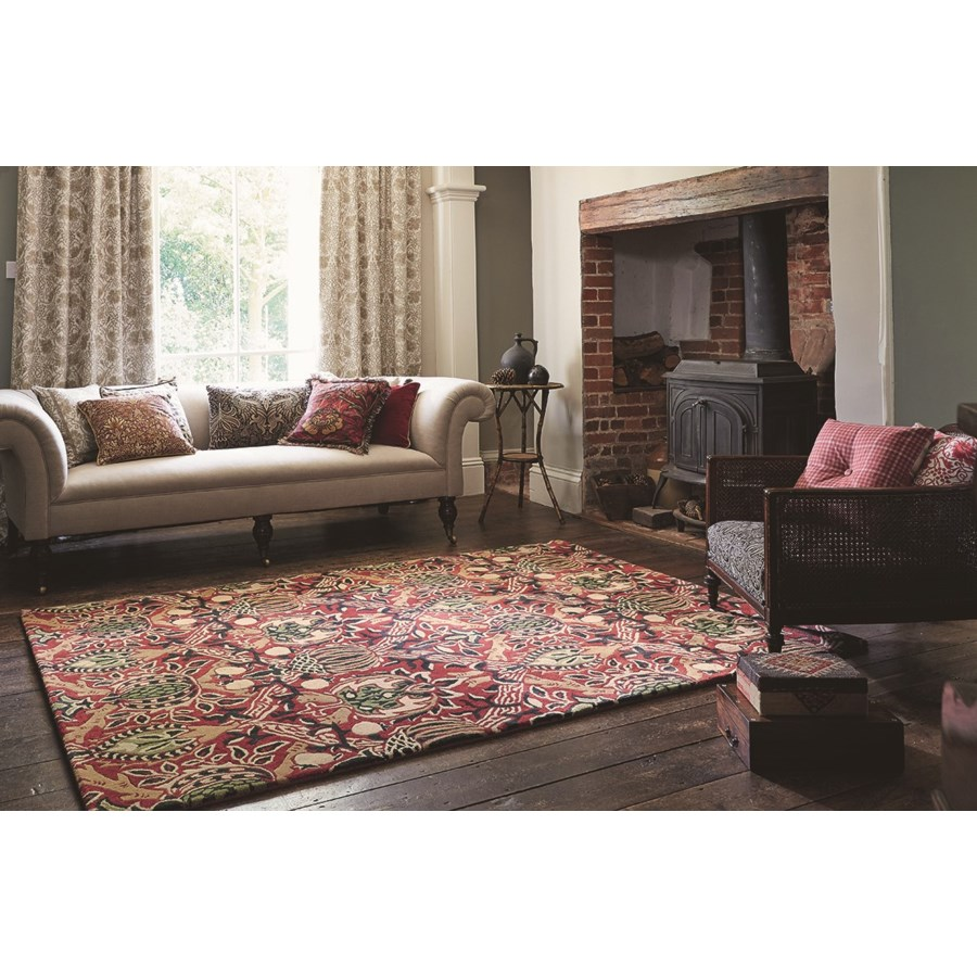Granada 5'7 x 7'10 Rug in Red/Black