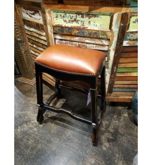 Crown Saddle Stool