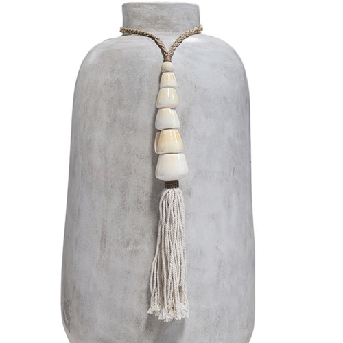 Multi-Tassel Shell Décor