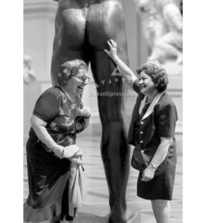 Women Touching Statue 5x7|Z