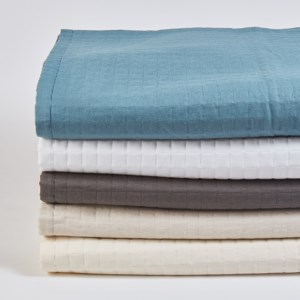linen cotton ready to bed