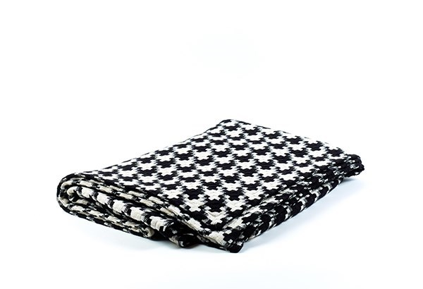 le chic throw