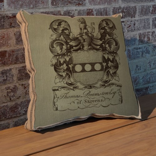 Lions Crest pillow-Decorative Elements