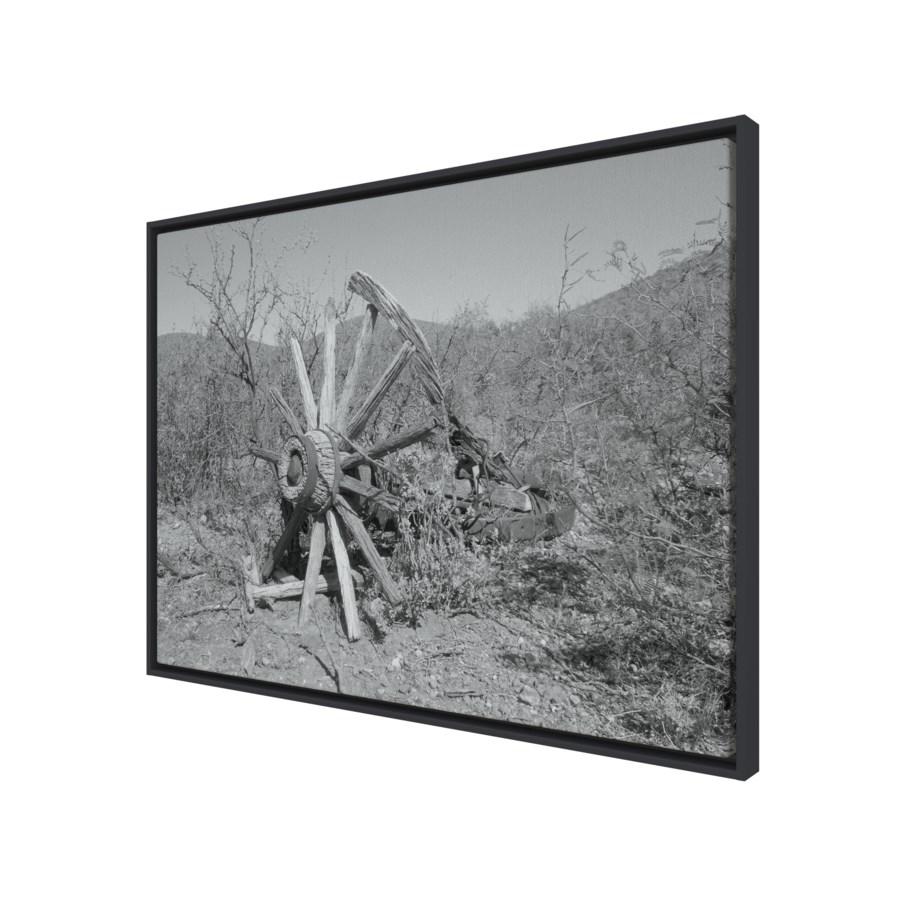 Wagon Wheel black and white