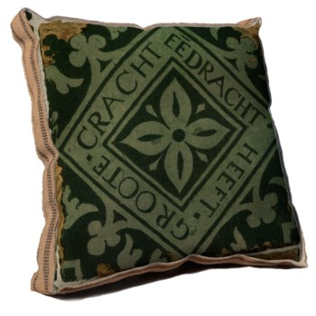 Groote pillow-Decorative Elements