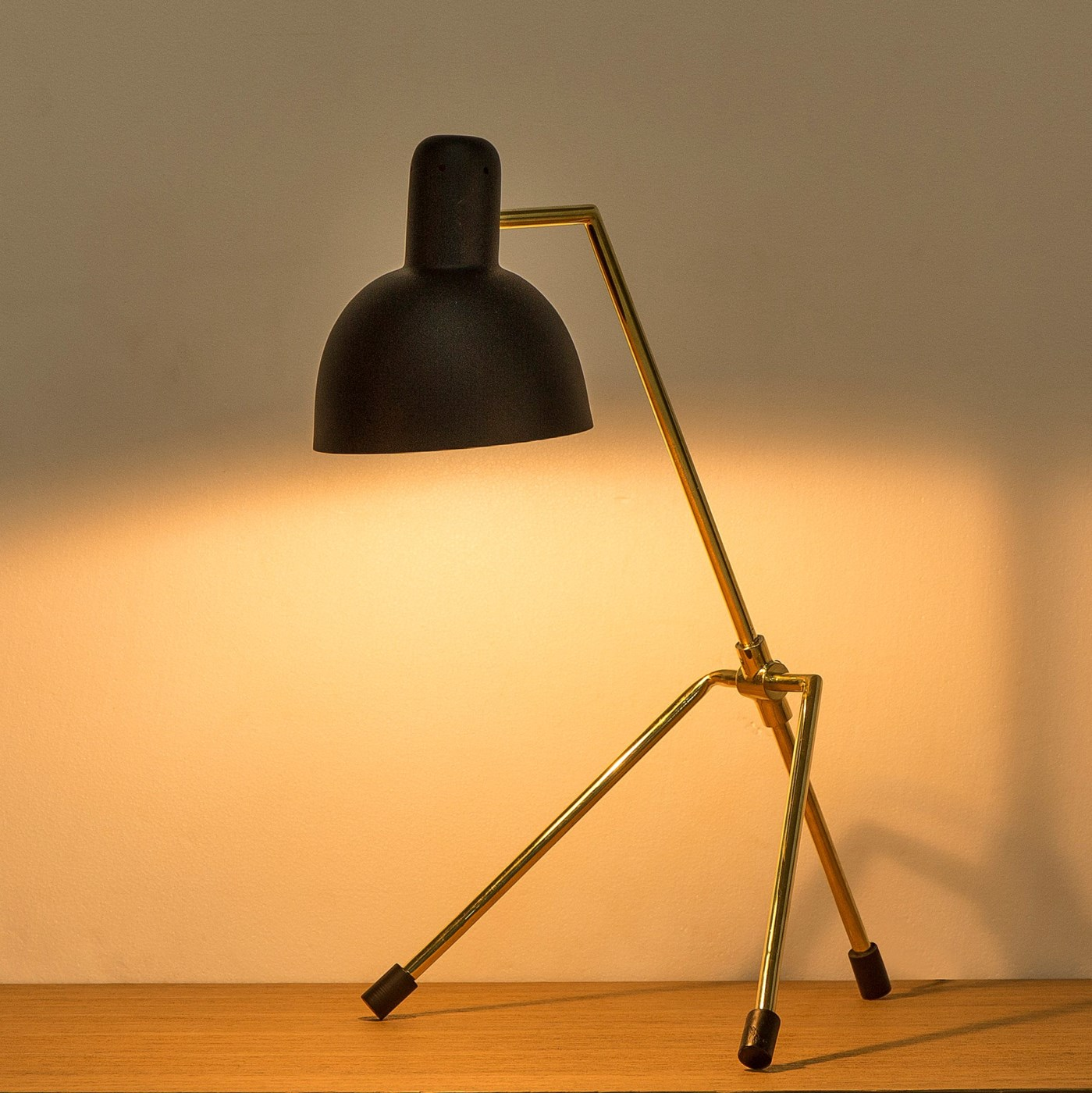 Rivoli Table Lamp / 120v US
