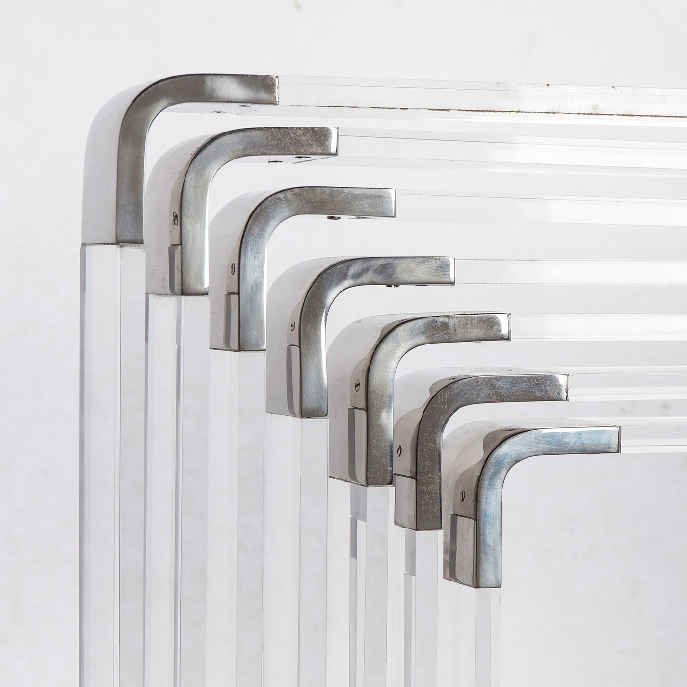 Spiral Acrylic - 7 Layer / Nickel / 120v US