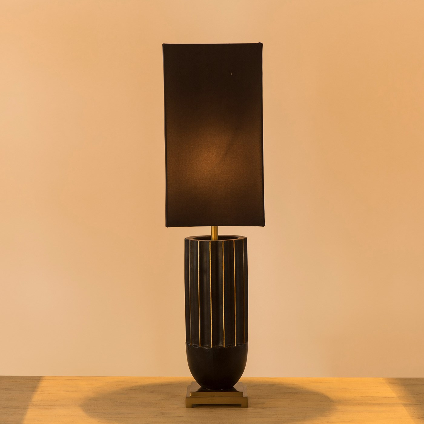 Empress Lamp - Black / 120v US