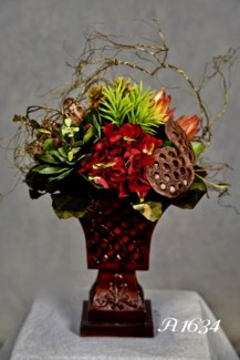 RED HYDRANGEA & PODS CENTERPIECE
