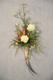 PEONY & REPENS WALL HORN