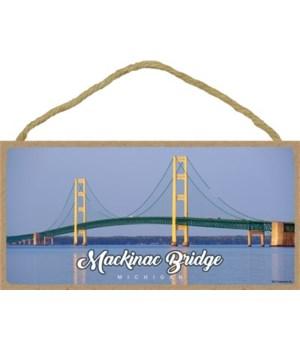 Mackinac Bridge - Daytime - Script title