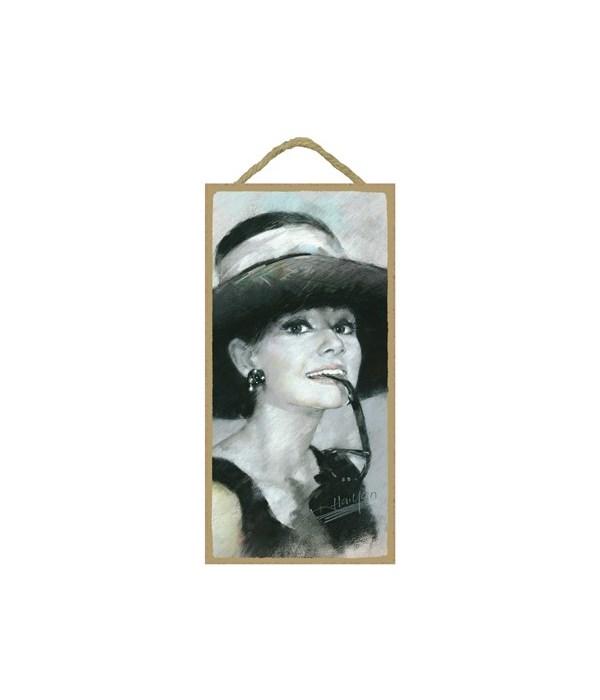 Audrey Hepburn (black & white)