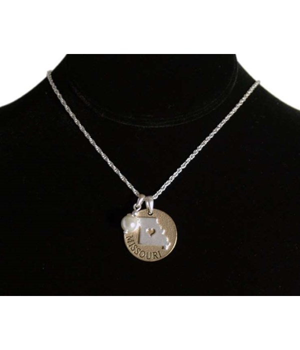 MO Toggle Necklace Pearl Disc