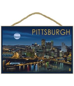 Pittsburgh, Pennsylvania - Skyline at Ni