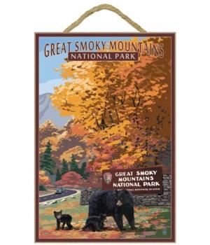 Park Entrance & Bear Family - Great Smok