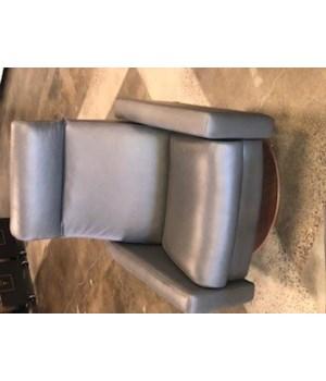 Cloud Comfort Air Chair, Large, BAI7006 Gr D, Natural Walnut