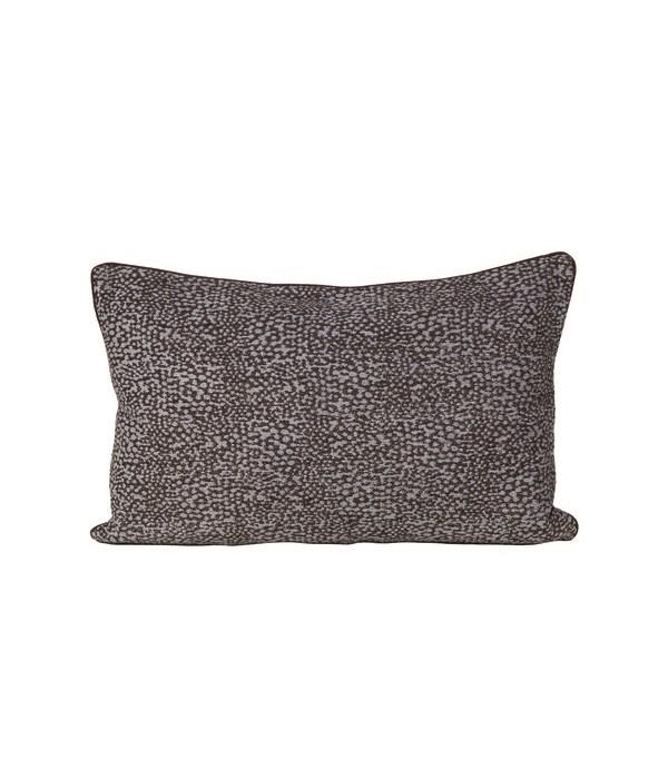 Pari Cushion With Piping