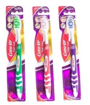 CLOSE UP® TOOTH BRUSH RIGHT ANGLE- MEDIUM - 48/CS (78137)
