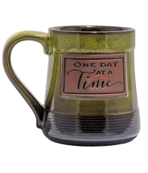 ONE DAY AT A TIME POTTERY MUG BOXED