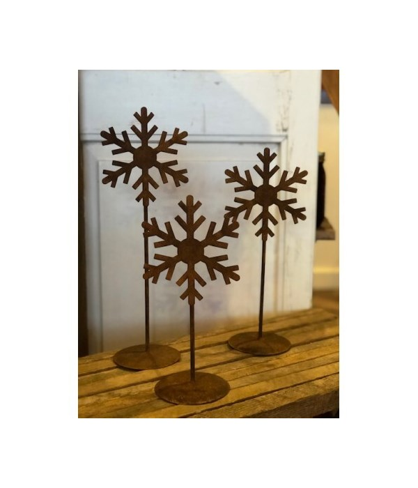 Rusty Snowflake Stands (3)
