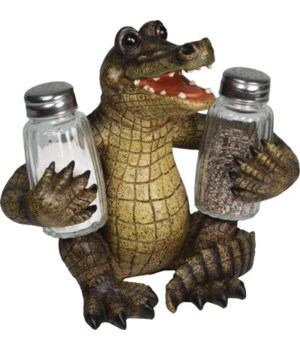 Salt and Pepper Shakers - Alligator 7.5 x 5.5 x 7.5 in.
