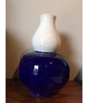 Double Gourd Vase, White and Dark Blue