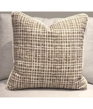 Large Throw Pillow, Marais Wren, Welt W402