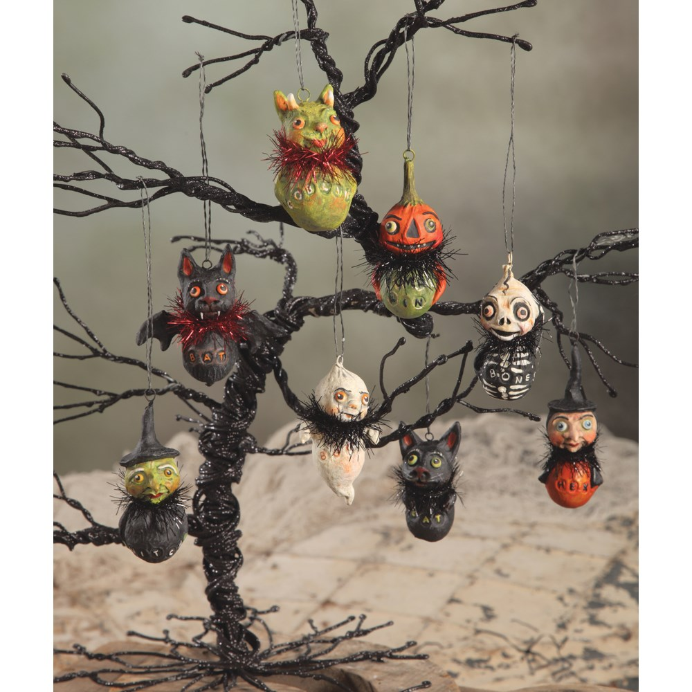 Little Ghoul Ornament 8A