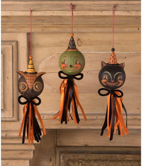 Eavesdrop Tassel Ornament 3A