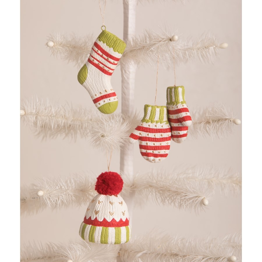 Winter Fuzzies Ornament 3A