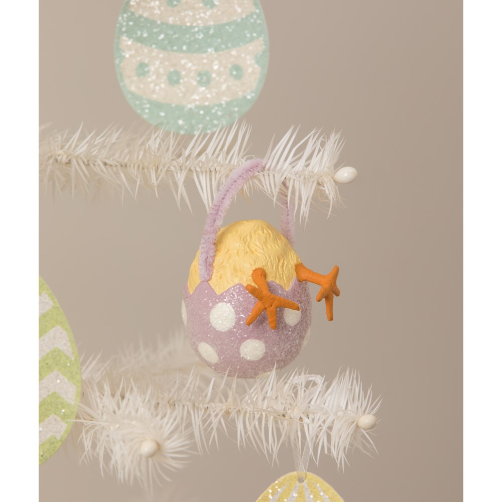 Chickie Tail Egg Ornament Lavender