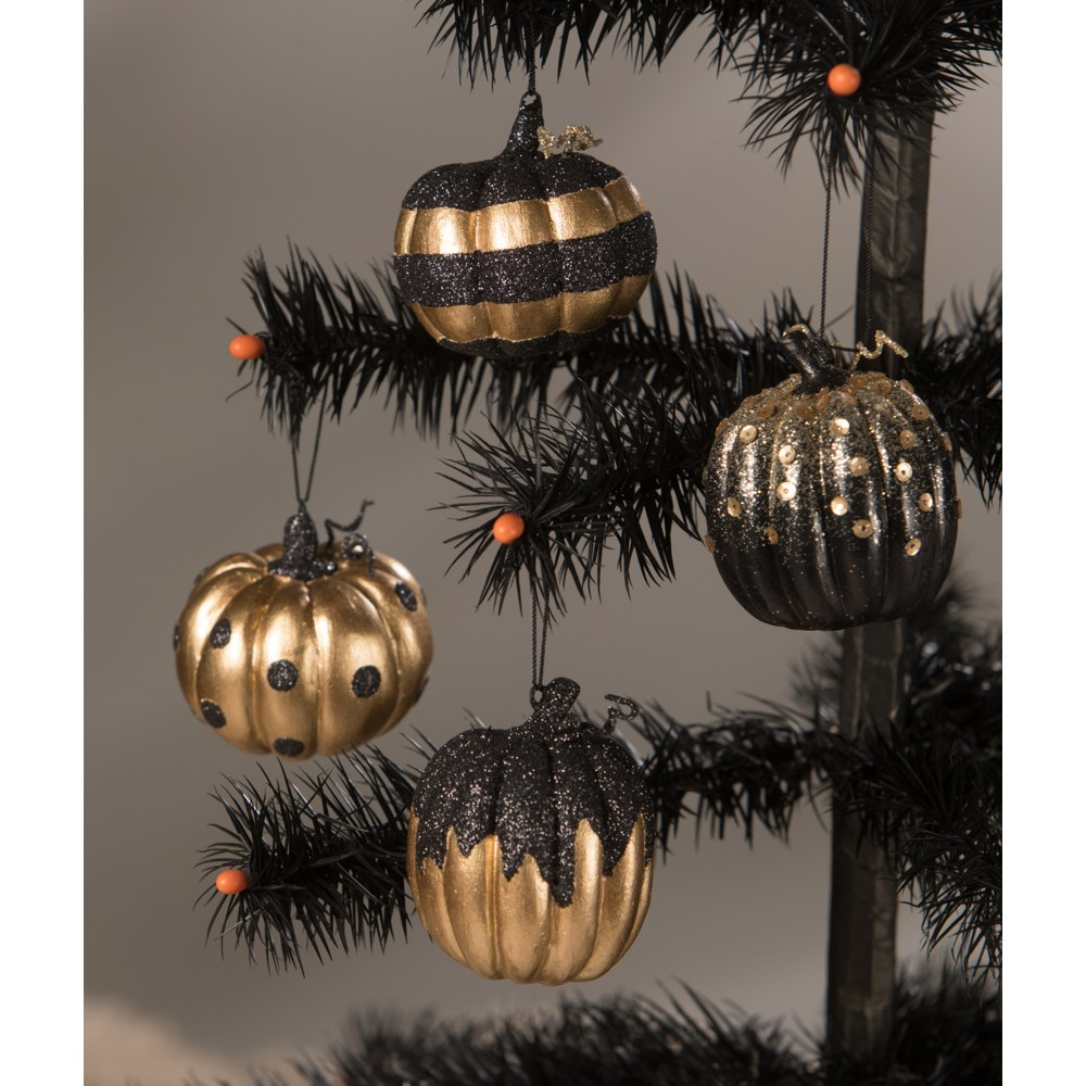 All Hallows' Eve Pumpkin Ornament 4A