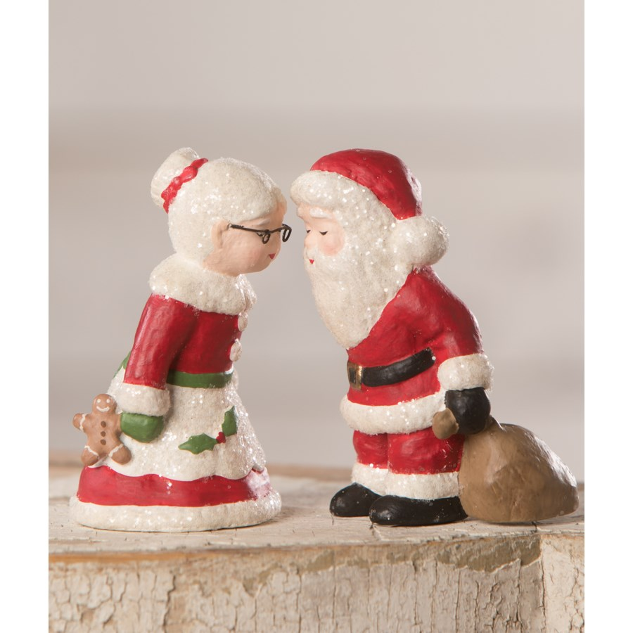 Mr. and Mrs. Claus S2